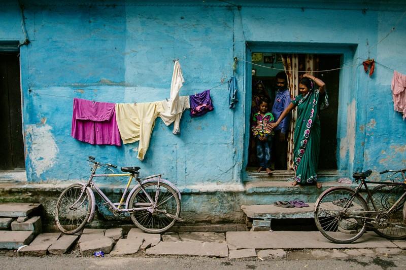 Hauswand in Varanasi, Indien.