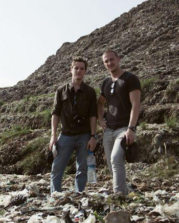 Dennis & Patrick Weinert auf der Ghazipur Müllkippe