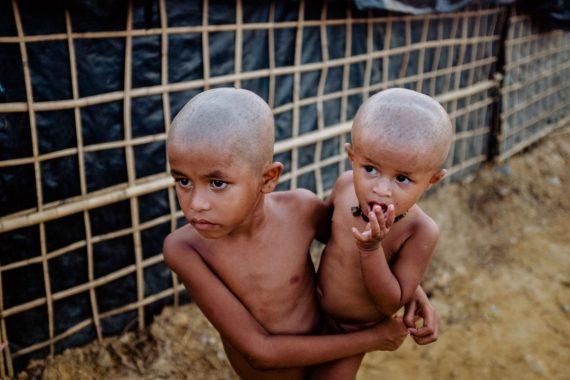 Rohingya siblings in the Kutupalong Refugee Camp, Bangladesh. 2017.