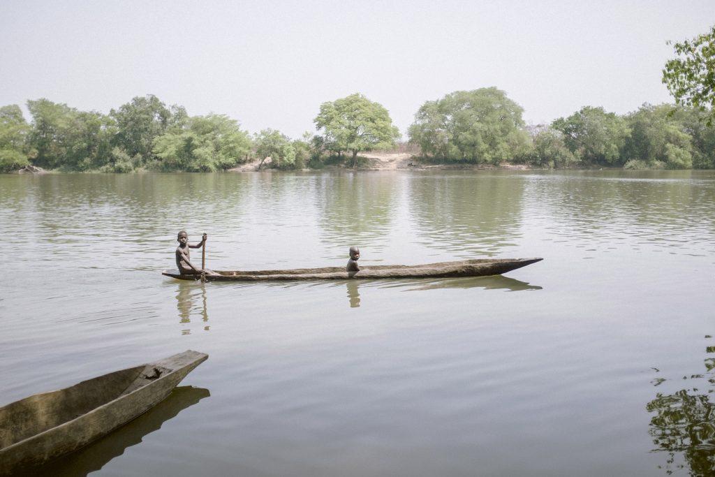 Boot auf einem Fluss in der Zentralafrikanischen Republik, 2018